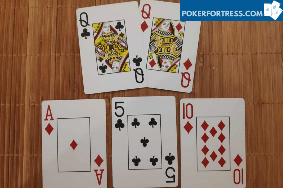 overcard on flop with pocket queens