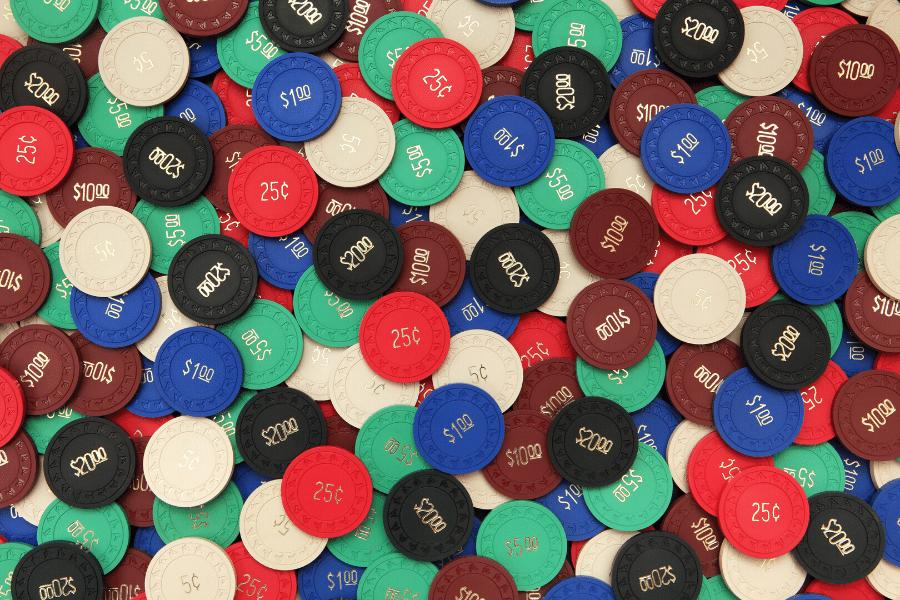 lowest entry plastic poker chips
